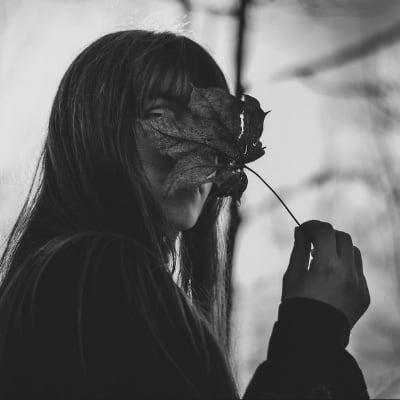 Fille à la fleur